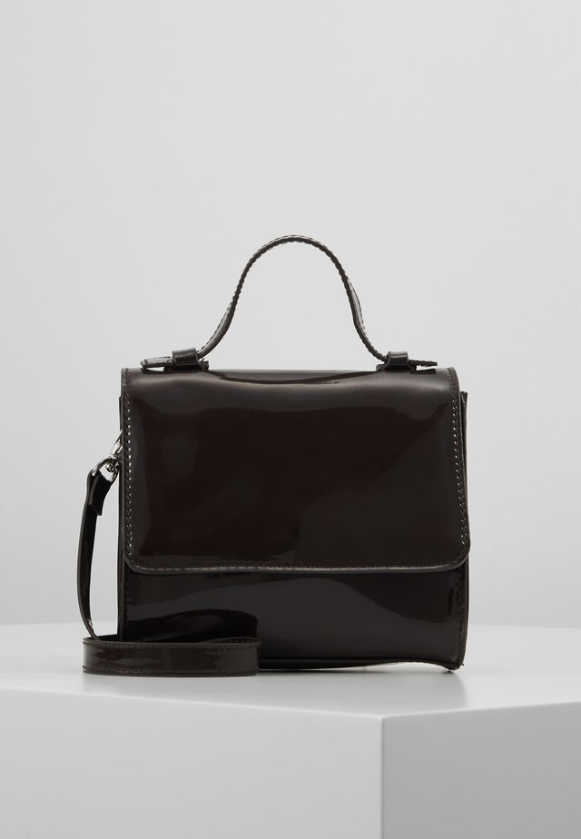MINI PATENT HANDBAG - Handtasche - dark brown