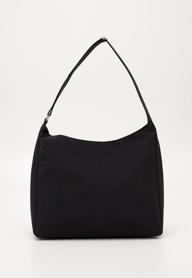 CARRY BAG - Håndtasker - black