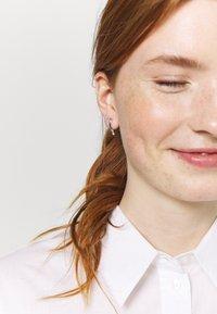 Weekday - JOHANNA CRAWLER EARRING - Ohrringe - silver-coloured - 1