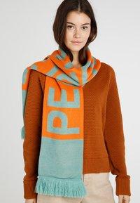 Weekday - BECK SCARF - Šátek - orange - 1