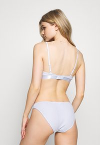Weekday - AURORA SOFT BRA - Triangel BH - light blue