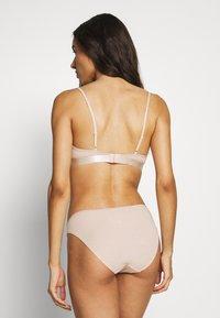 Weekday - AURORA SOFT BRA 2 PACK - Triangle bra - black/nude - 2