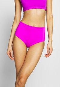 Weekday - AVA HIGHWAIST SWIM BOTTOM - Bikini bottoms - purple - 0