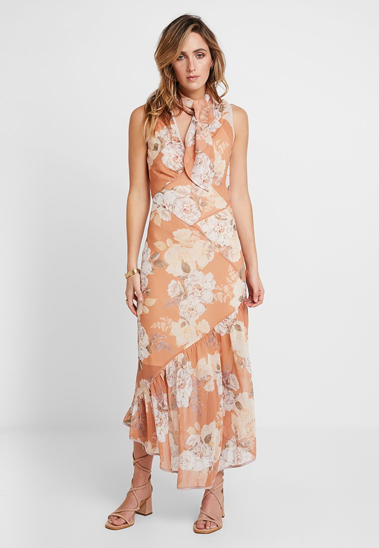 We are Kindred - NELLIE BIAS DRESS - Maxi dress - peach