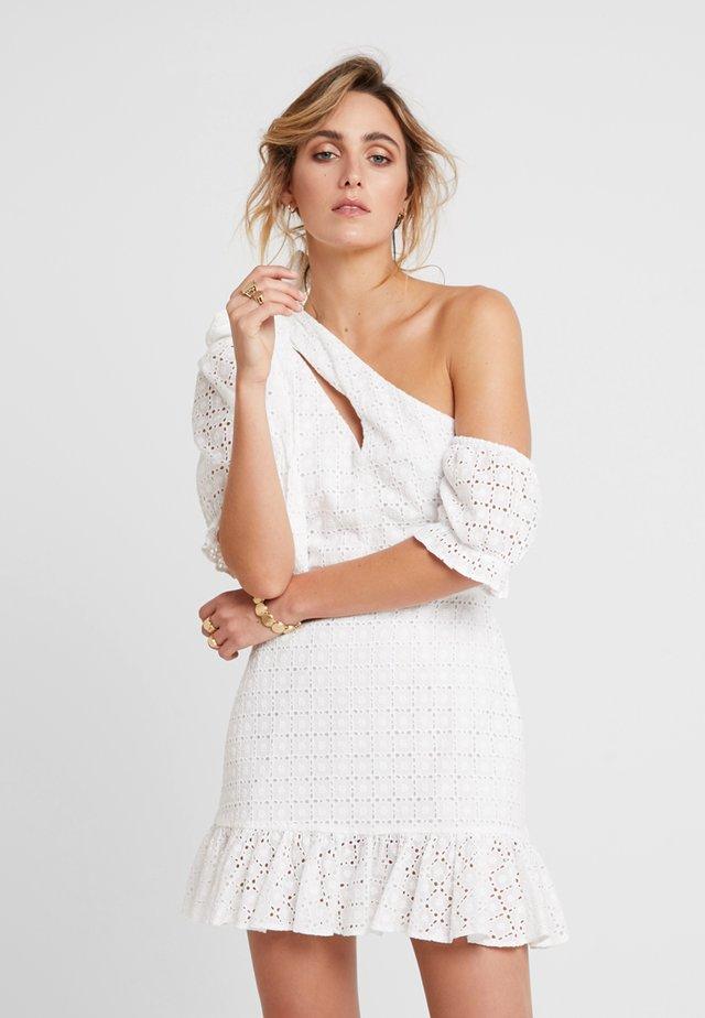 SOOKIE ASYMMETRIC DRESS - Robe d'été - broiderie white