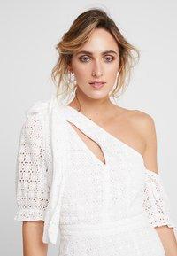 We are Kindred - SOOKIE ASYMMETRIC DRESS - Denní šaty - broiderie white - 3