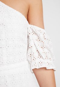 We are Kindred - SOOKIE ASYMMETRIC DRESS - Denní šaty - broiderie white - 5