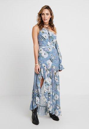 TABITHA ASYMMETRIC DRESS - Maksimekko - light blue/white