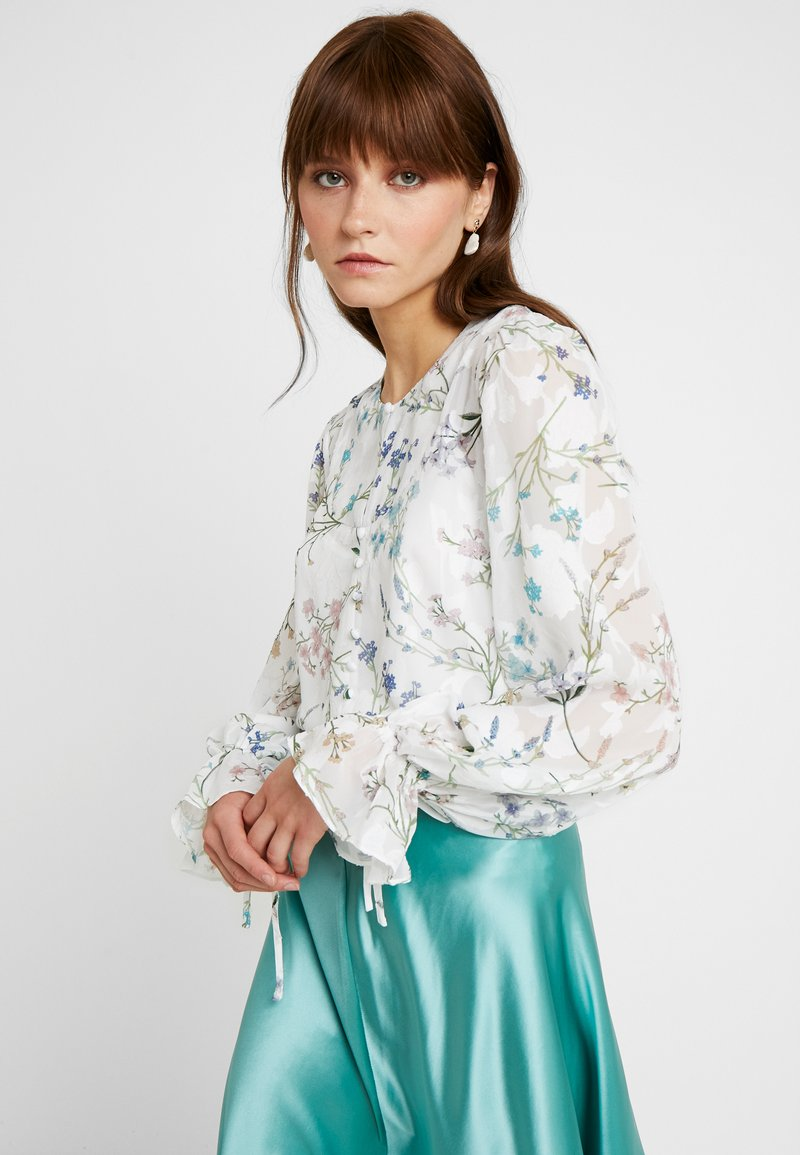 We are Kindred - AMBROSIA BLOUSE - Blůza - white blooms