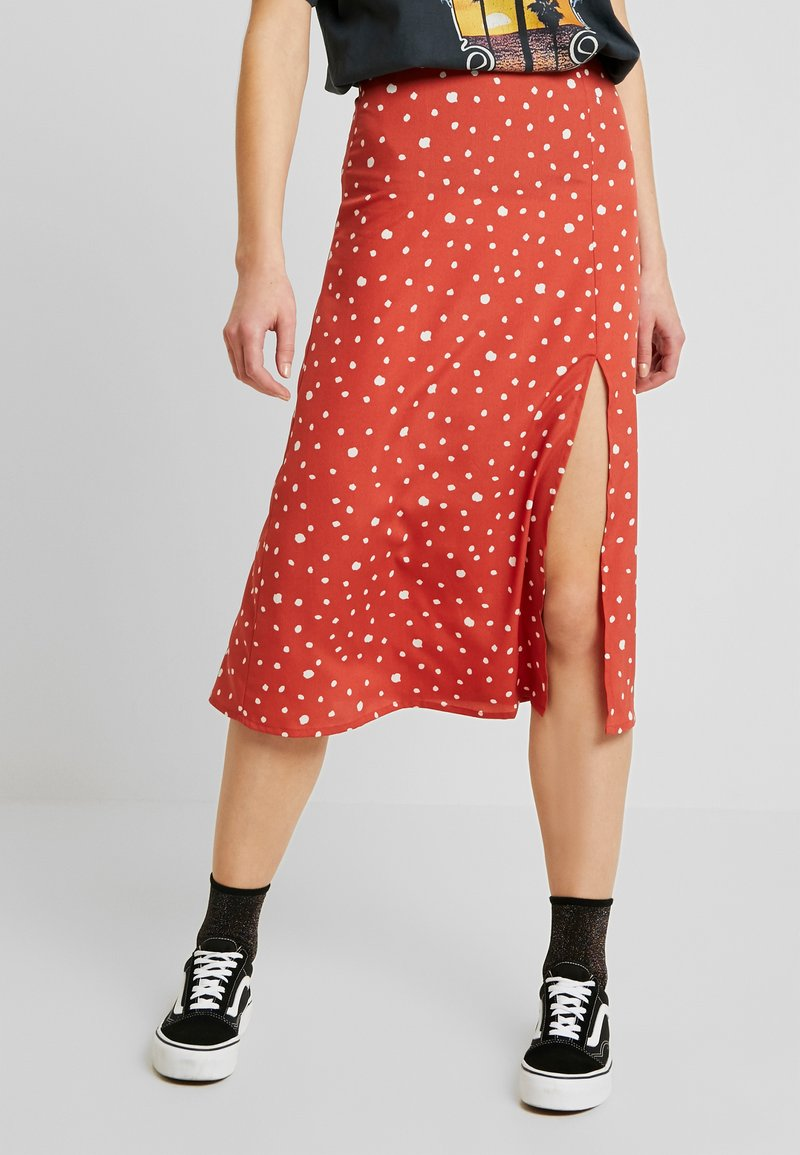 Wednesday's Girl - MIDI SKIRT WITH FRONT SPLIT - Gonna a campana - rust/white
