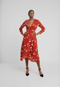 Wednesday's Girl - WRAP MIDAXI - Vestito estivo - delphine floral rust - 2