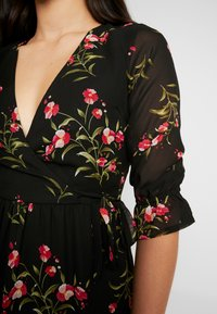 Wednesday's Girl - RUFFLE CUFF 3/4 LENGTH SLEEVE WRAP FRONT TIERED MIDAXI DRESS - Vestito estivo - black/pink - 6