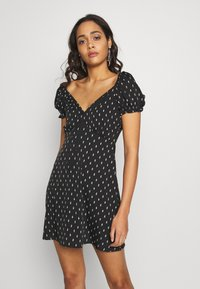 Wednesday's Girl - TIE FRONT SWEETHEART NECKLINE MINI DRESS - Vapaa-ajan mekko - black/white - 0