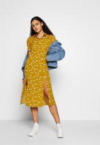 Wednesday's Girl - DROP SHOULDER BALLOON SLEEVE MINI DRESS - Shirt dress - beige - 1
