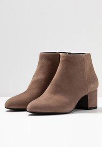 What For - FIRMA - Boots à talons - light grey - 3