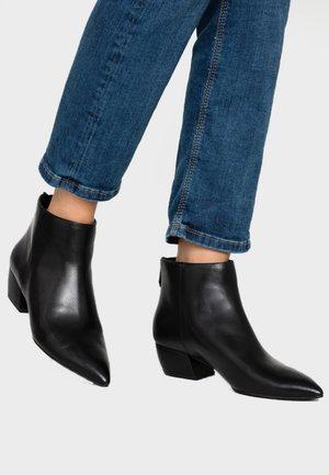 FERDINAND - Boots à talons - black