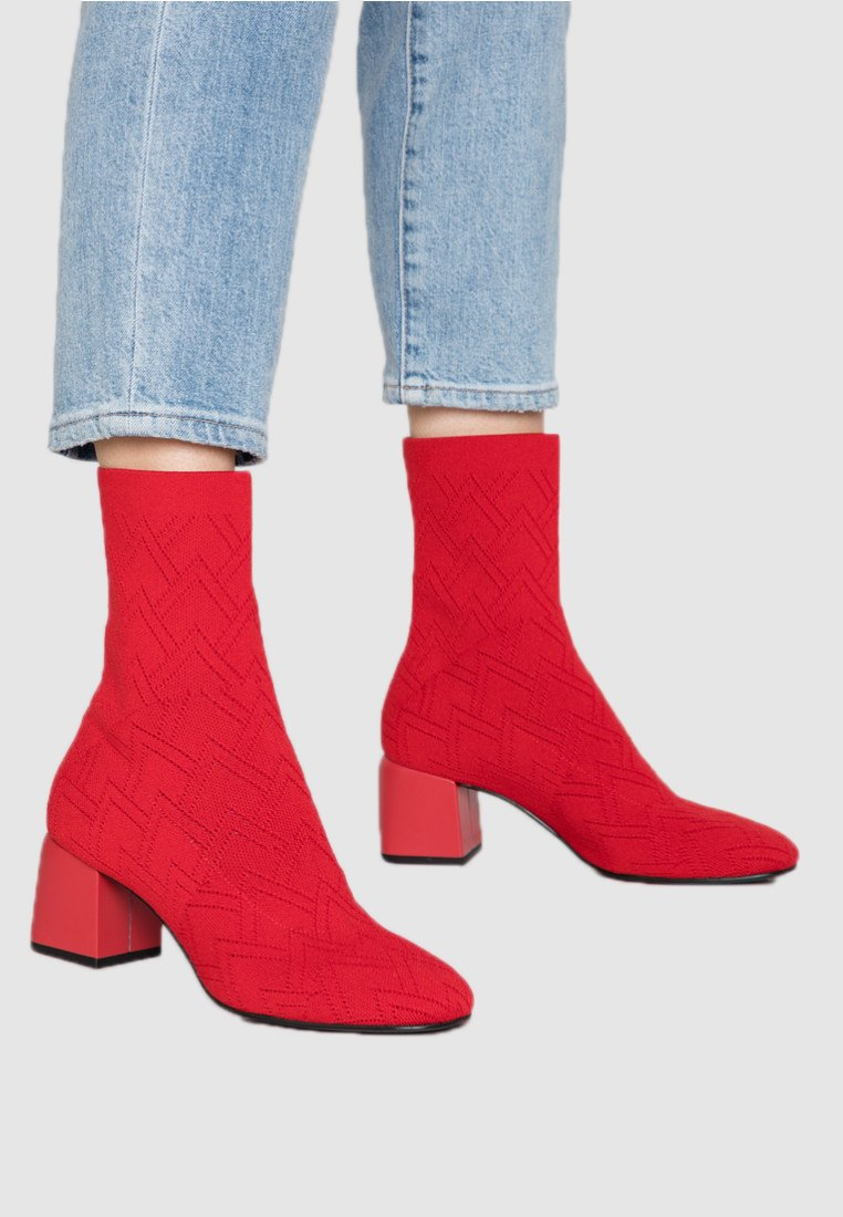 What For - LYKEA - Classic ankle boots - red