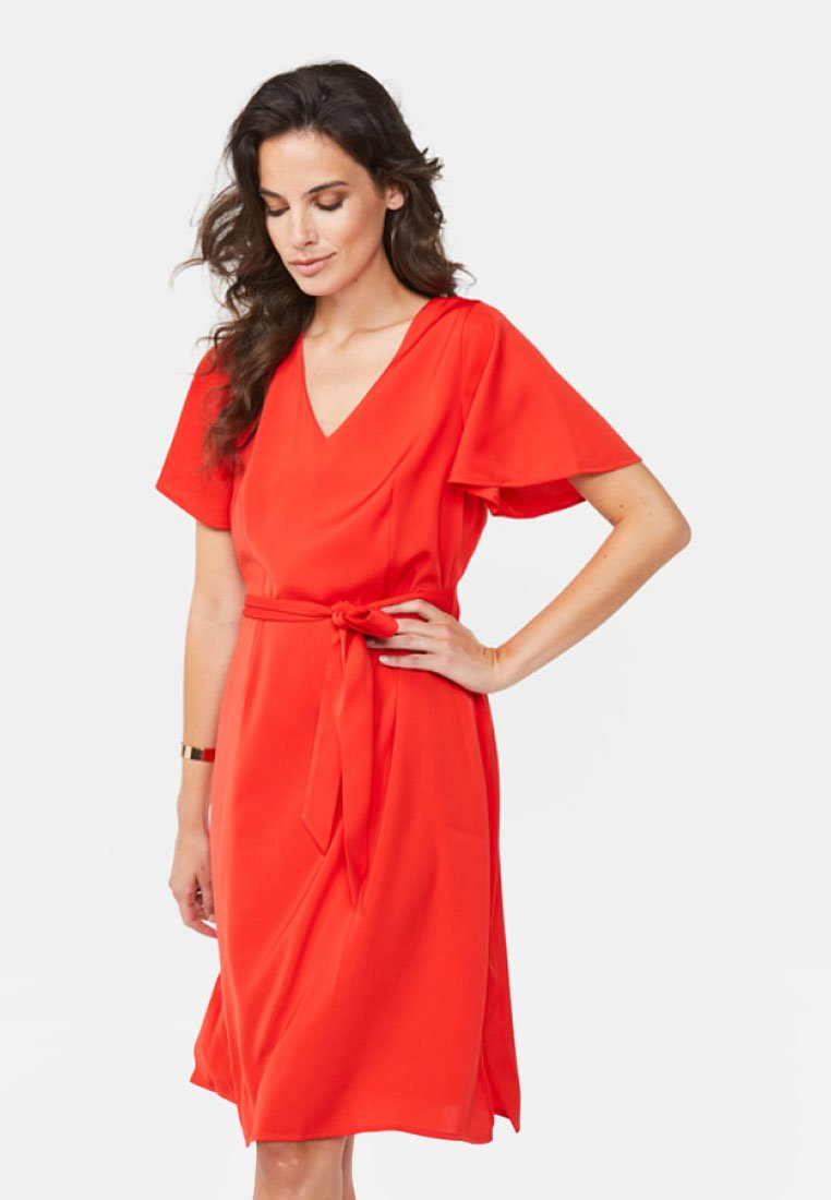 WE Fashion - SLIM FIT - Day dress - bright red