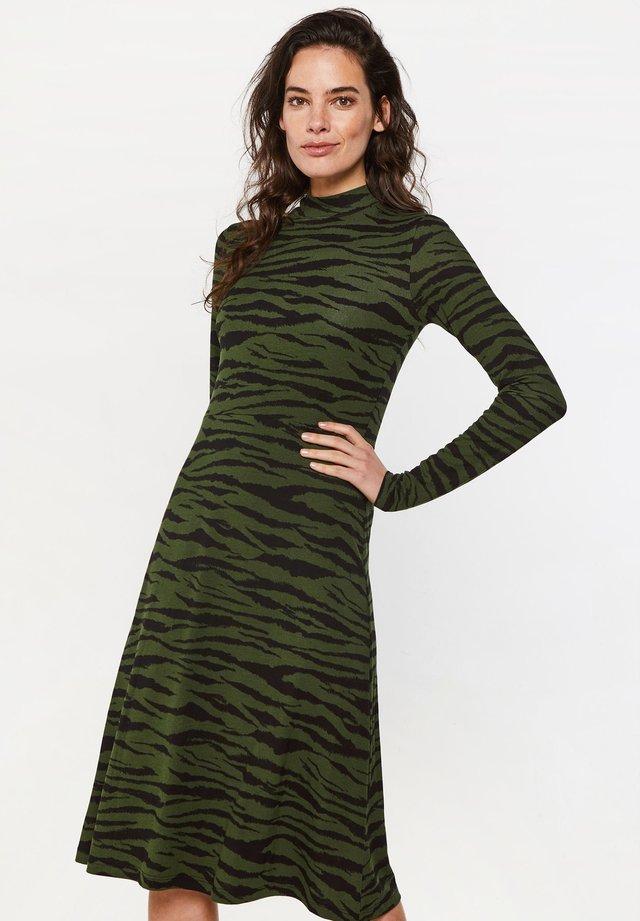 MET ZEBRADESSIN - Vestido informal - green/black