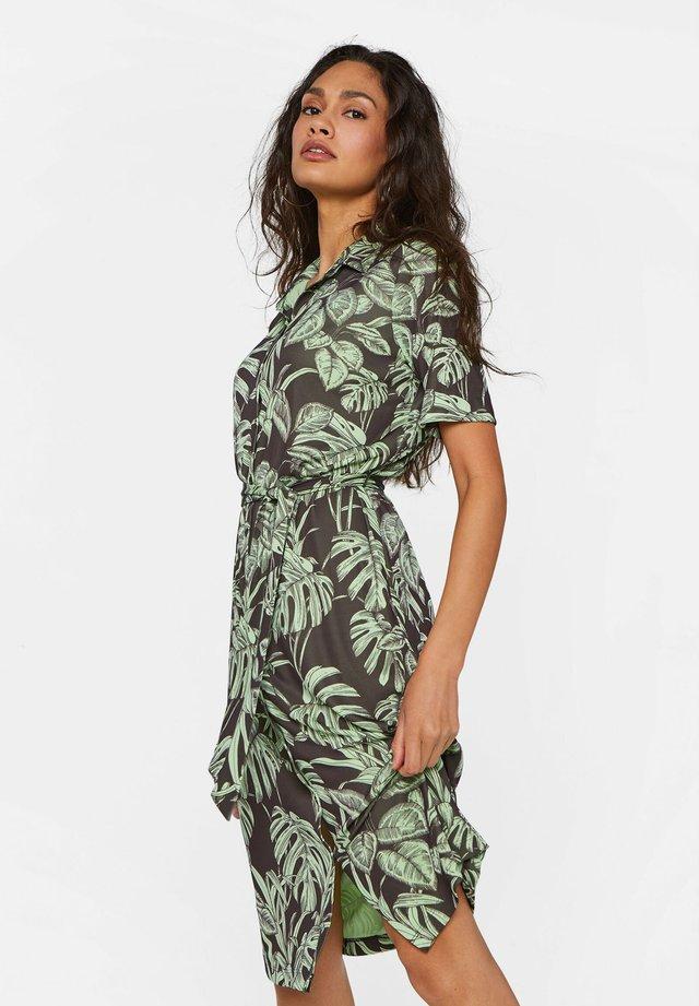 MIT MUSTER - Vestido camisero - green