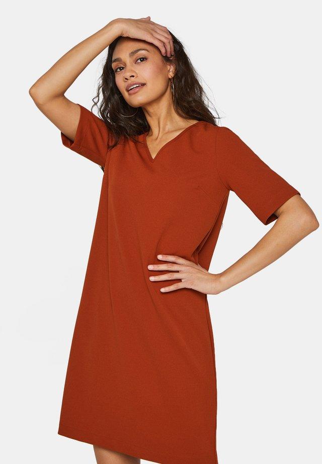Vestido informal - rust brown