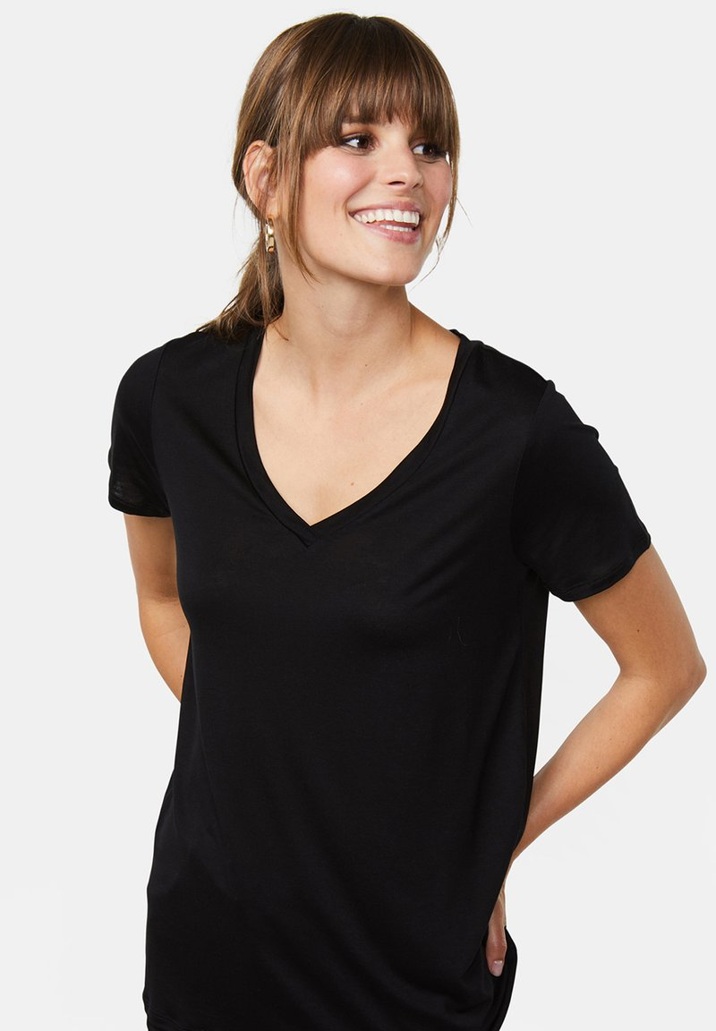 WE Fashion - Basic T-shirt - black