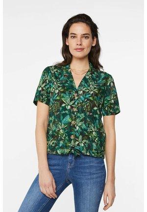 WE FASHION DAMENBLUSE MIT MUSTER UND KNOTEN-DETAIL - Button-down blouse - dark green