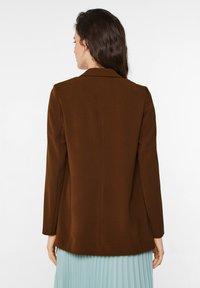 WE Fashion - Cappotto corto - cognac - 2