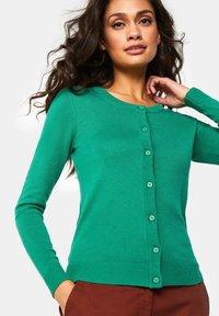 WE Fashion - Gilet - green - 4