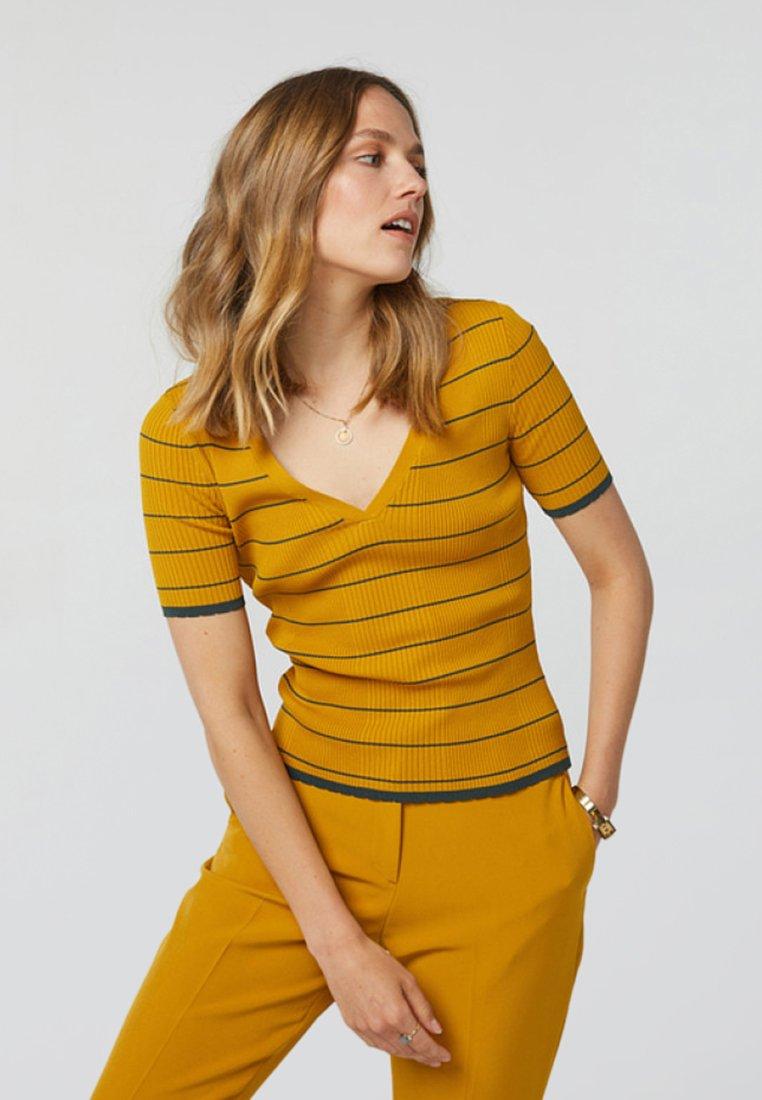 WE Fashion - Blouse - ochre yellow