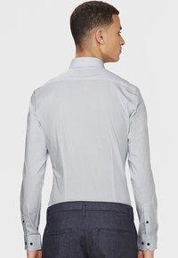 WE Fashion - SLIM FIT STRETCH - Overhemd - light grey - 2