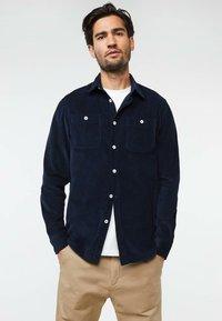 WE Fashion - Vapaa-ajan kauluspaita - dark blue - 0