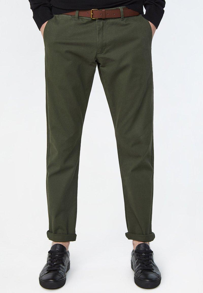 WE Fashion - EFFEN  - Chinot - army green