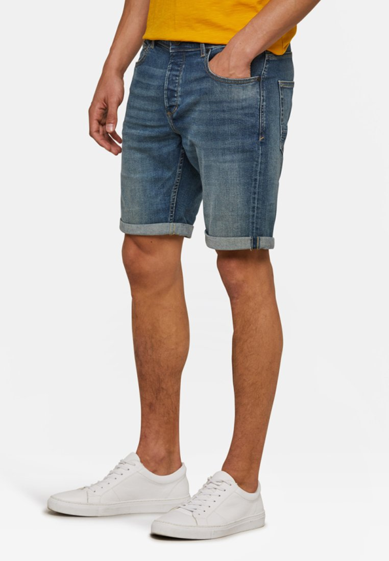 WE Fashion - Denim shorts - green