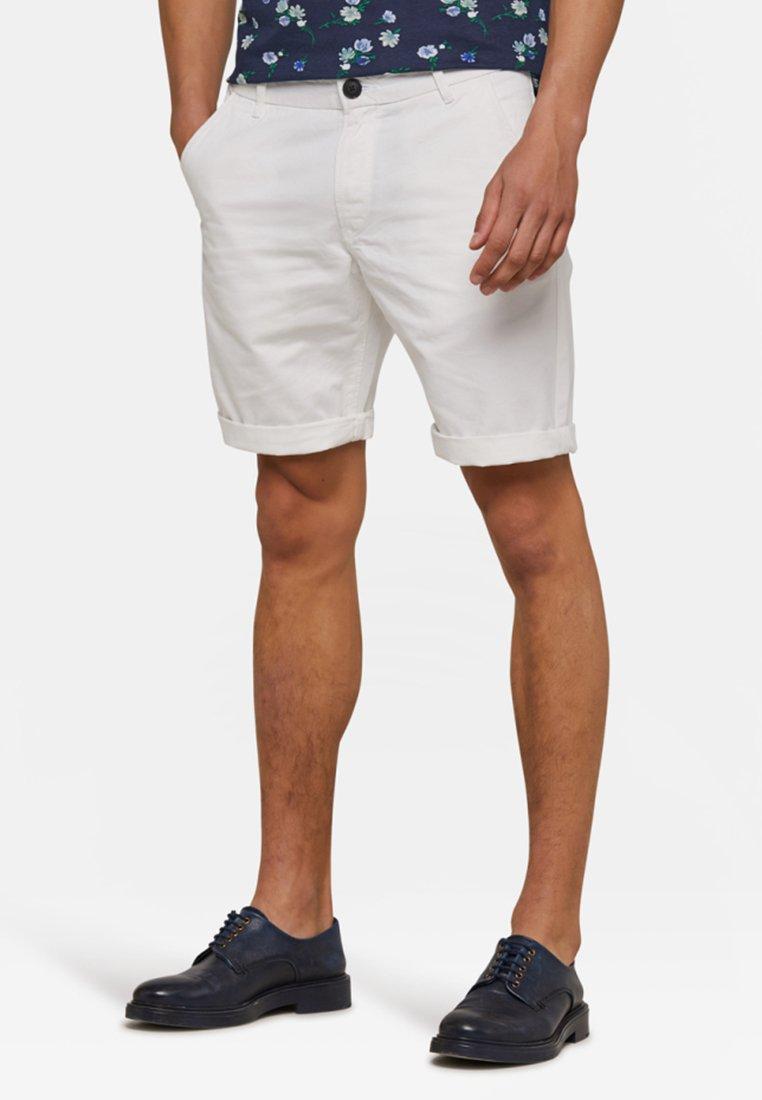 WE Fashion - Shorts - white