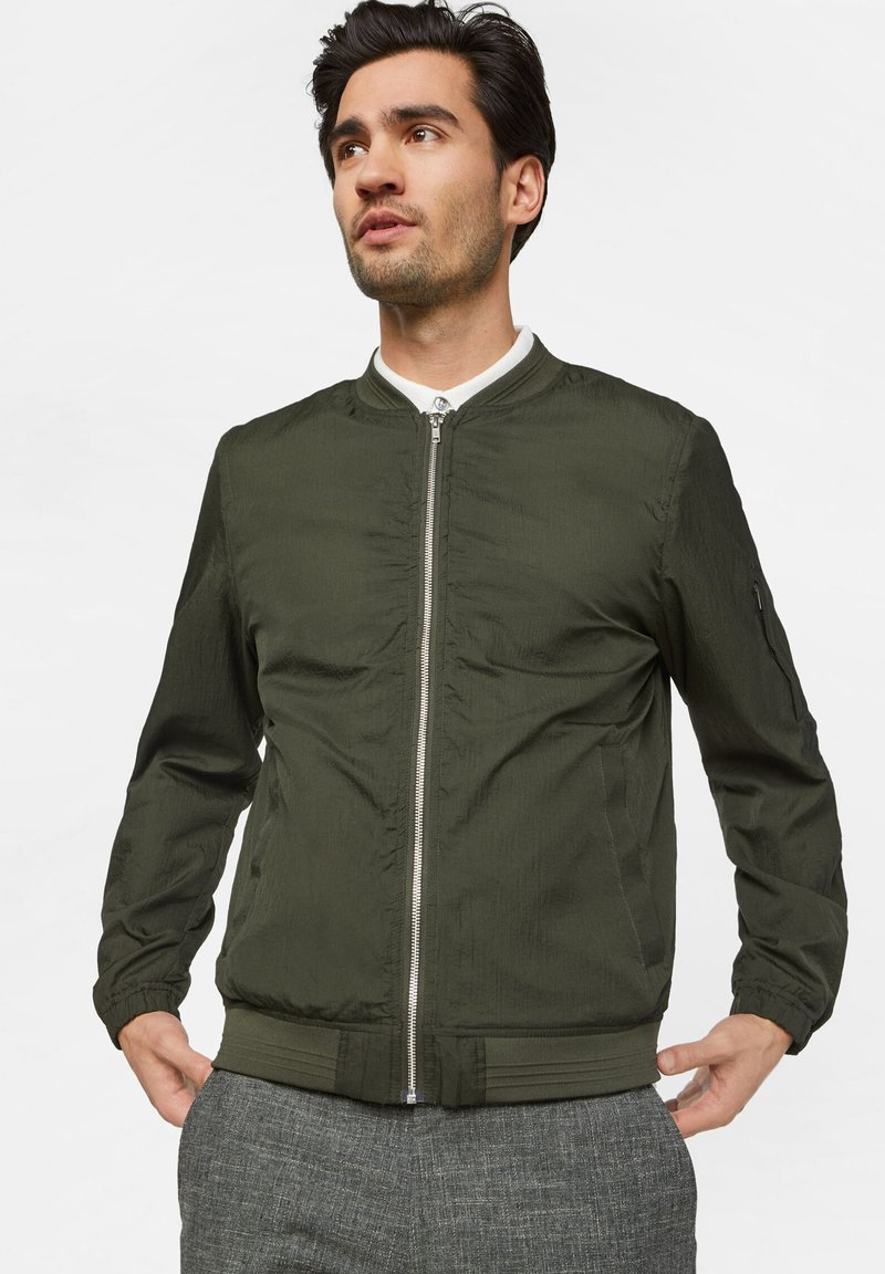 WE Fashion - WE FASHION HEREN LICHTGEWICHT BOMBERJACK - Bomberjacks - army green