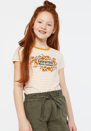 WE FASHION MÄDCHEN-T-SHIRT MIT STREIFENMUSTER UND AUFDRUCK - Print T-shirt - orange