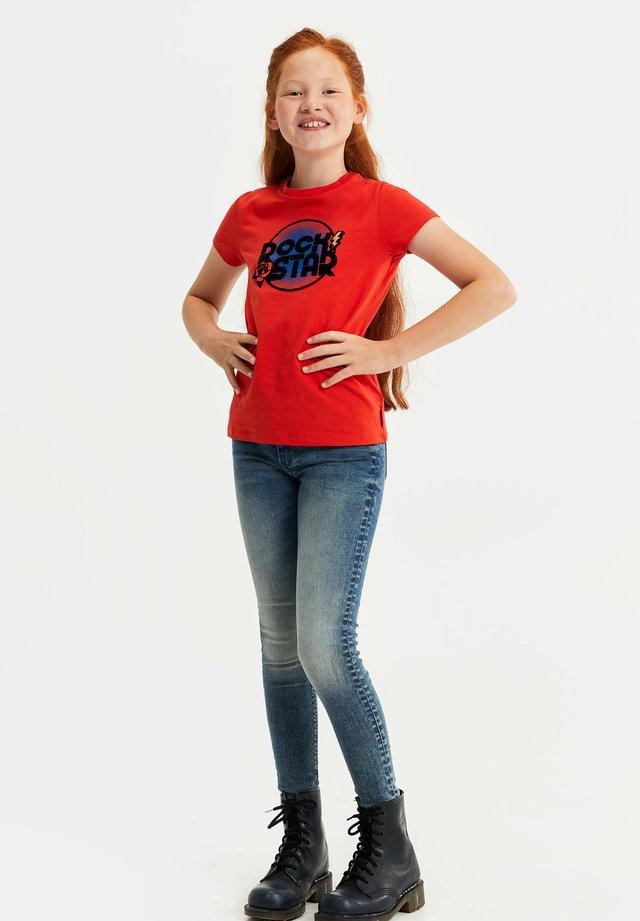 MET GLITTEROPDRUK - Camiseta estampada - bright red
