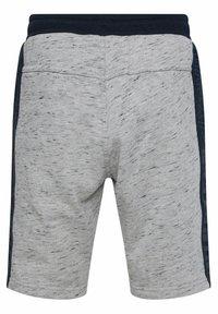 WE Fashion - Shorts - blended light grey - 1