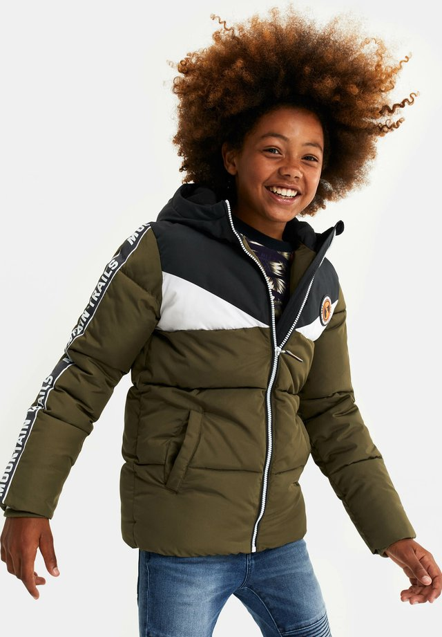 MET TAPEDETAIL - Chaqueta de invierno - army green