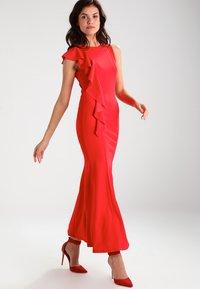 WAL G. - Vestido largo - red - 0