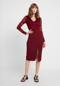 WAL G. - SLEEVE DRESS - Cocktail dress / Party dress - wine - 2