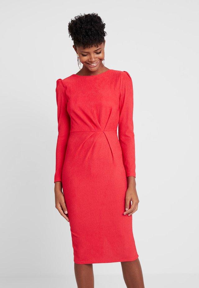 LONG SLEEVE KNOT DRESS - Pouzdrové šaty - red