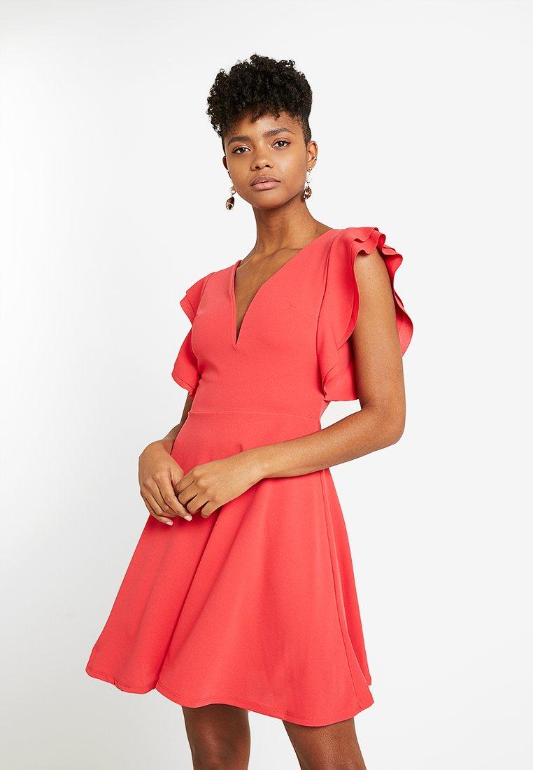 WAL G. - FRILL PLUNGE SKATER DRESS - Sukienka z dżerseju - coral
