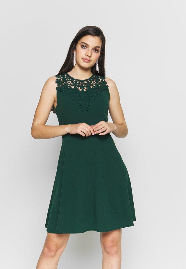 BUST SKATER DRESS - Denní šaty - forest green