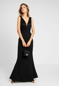 WAL G. - V NECK MAXI - Robe de cocktail - black - 1