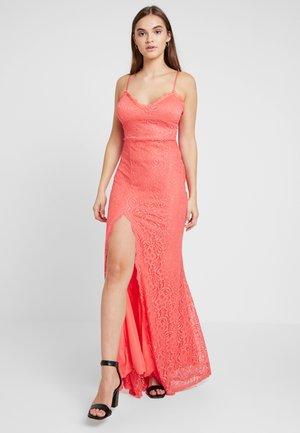 Festklänning - coral