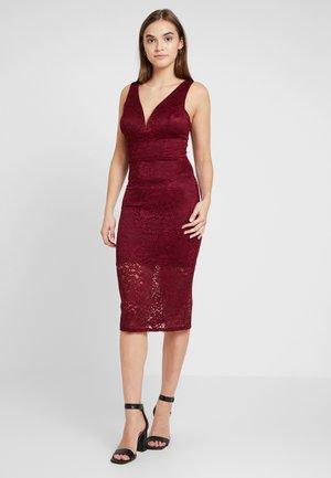 Koktejlové šaty/ šaty na párty - wine