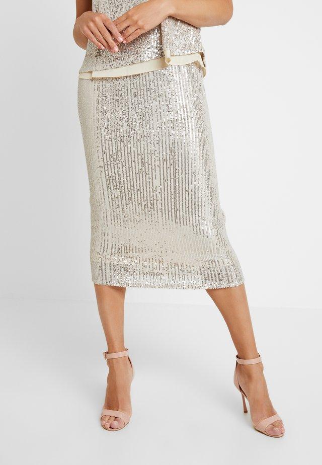 Pouzdrová sukně - champange