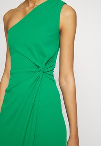 WAL G. - ONE SHOULDER MIDI DRESS WITH KNOT TIE - Etuikjole - green - 7